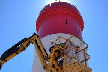 El Faro de Navidad, en trabajos de mantenimiento