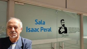 """El autor, ante la sala """"Isaac Peral"""""""