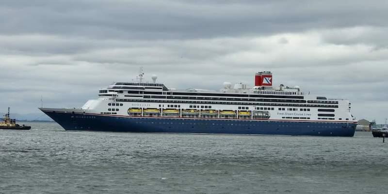 """Los dos """"nuevos"""" buques de Fred. Olsen Cruise Line proceden de HAL"""