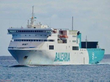 """El ferry """"Sicilia"""", fletado en un viaje especial entre Palma y Valencia"""