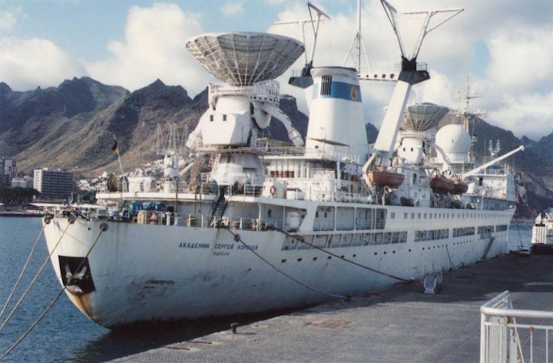 En su última escala en Santa Cruz de Tenerife (mayo de 1993)