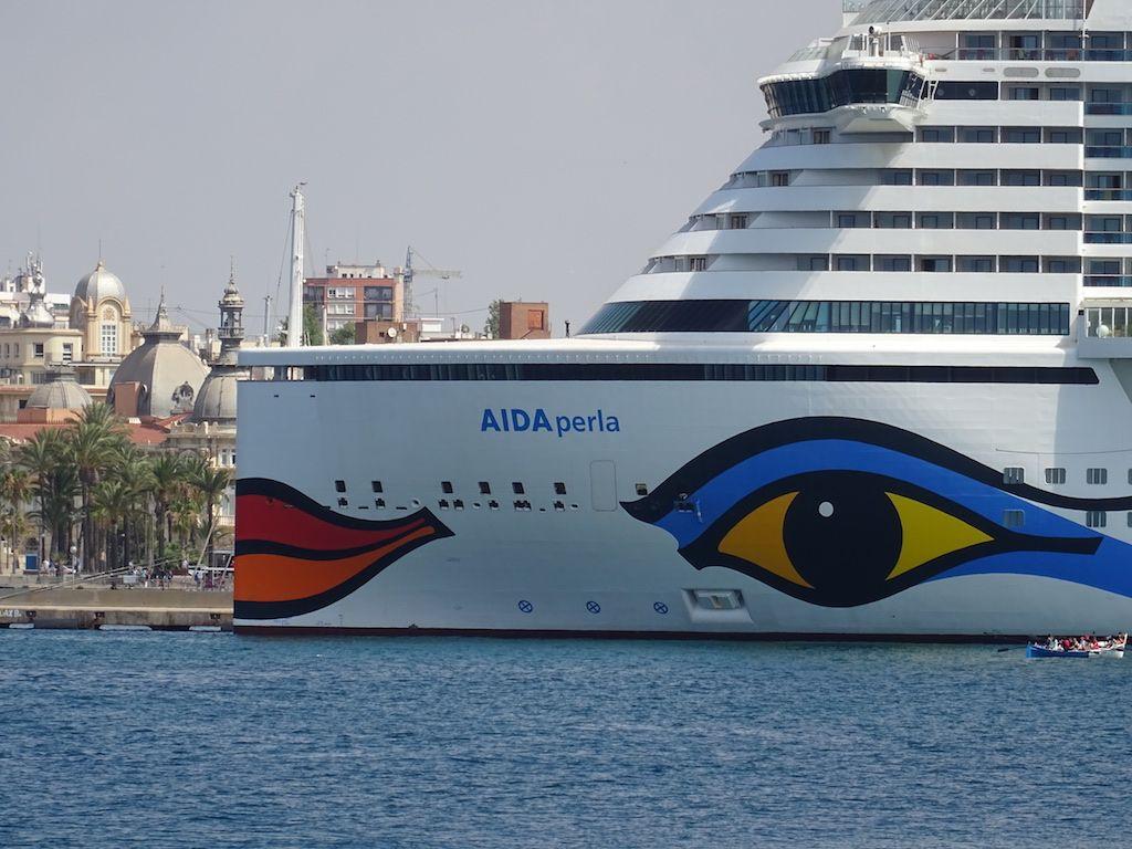 La llamativa decoración identifica a los barcos de Aida Cruises