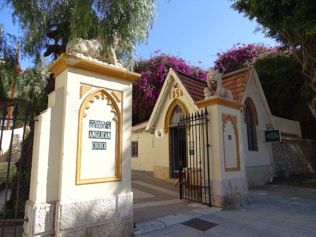 Acceso al cementerio inglés de Málaga