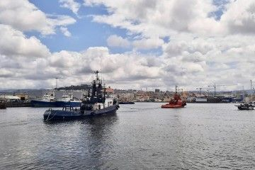 """El remolcador """"Gaudí"""" sale de Vigo tras la estela del remolcador """"Charuca Silveira"""""""
