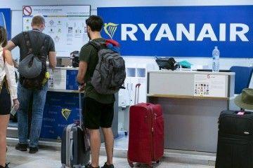Ryanair, una vez más, en el punto de mira del abuso contra quien paga