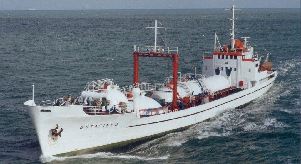 """El bucanero """"Butacinco"""", navegando por el Canal de la Mancha"""