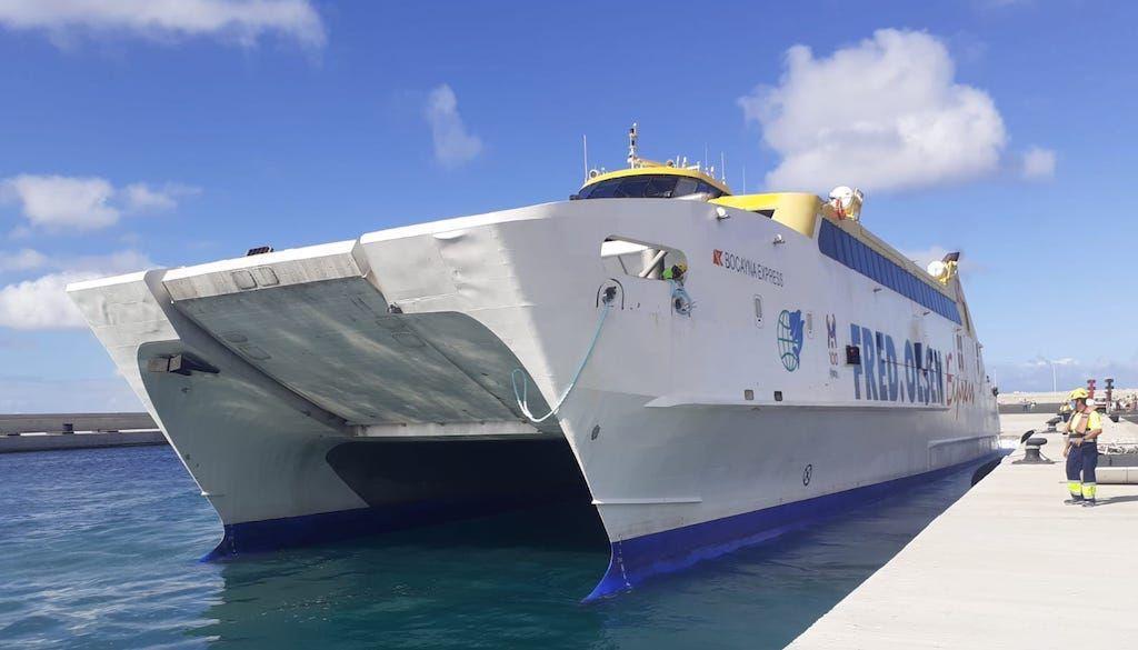 "Maniobra del catamarán ""Bocayna Express"""
